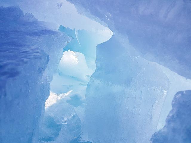 jeskyně z ledu